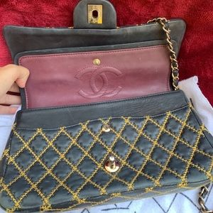 Chanel Lambskin medium double flap black with gold